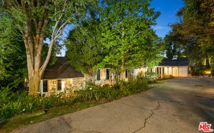 Residential Property for sale in 167 N Bentley Ave, Los Angeles, CA, 90049