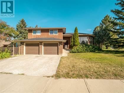 Single Family for sale in 3 Tudor Court S, Lethbridge, Alberta, T1K5C9