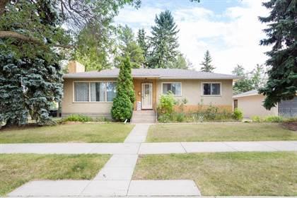 Single Family for sale in 8243 93A AV NW, Edmonton, Alberta, T6C1V5