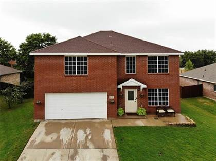 Residential for sale in 8126 Mossberg Drive, Arlington, TX, 76002