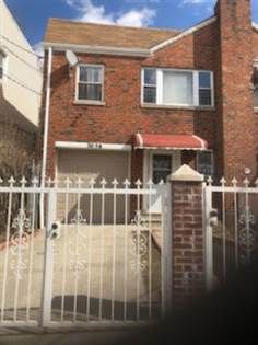 Multifamily for sale in 3058 Barker Ave, Bronx, NY, 10467