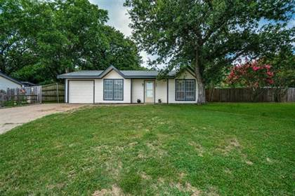 Residential Property for sale in 4802 Lemondrop Court, Arlington, TX, 76017