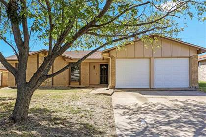 Residential Property for sale in 4900 Green Hollow Drive, Arlington, TX, 76017