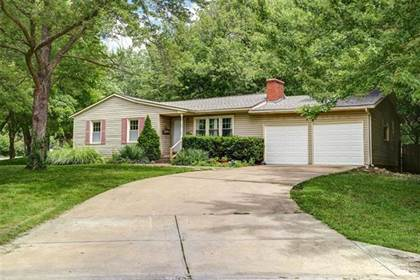 Residential for sale in 4829 S Sterling Avenue, Kansas City, MO, 64133