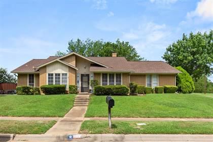Residential for sale in 1826 Old Oak Drive, Arlington, TX, 76012