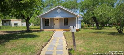 Residential Property for sale in 902 Burleson St, George West, TX, 78022