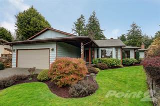 Residential for sale in 3963 Burchett Pl, Saanich, British Columbia