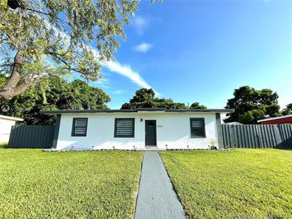 Residential for sale in 10255 SW 171st St, Miami, FL, 33157