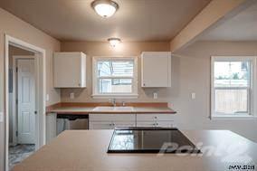 Residential Property for sale in 4105 Silverton Rd NE, Salem, OR, 97305