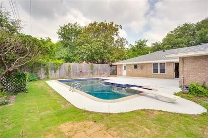 Residential for sale in 2400 W Lavender Lane, Arlington, TX, 76013