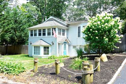 Residential Property for sale in 27 Arverne Road, Sound Beach, NY, 11789