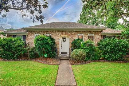 Residential for sale in 14318 Piping Rock Lane, Houston, TX, 77077