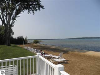 Condo for sale in 2305 US-31 N, Traverse City, MI, 49686