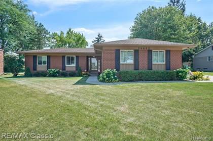 Residential for sale in 36653 LANSBURY Lane, Farmington, MI, 48335
