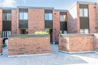 Townhouse for sale in 193 Collier St, Barrie, Ontario