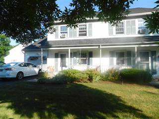 Townhouse for sale in 11 Pinewood Drive, Essex, VT, 05452