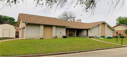 Residential Property for sale in 613 E Royal Oaks Drive, Marlin, TX, 76661
