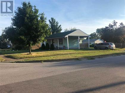 Single Family for rent in 7381 MARIECLAUDE AVE, Niagara Falls, Ontario, L2G5M1