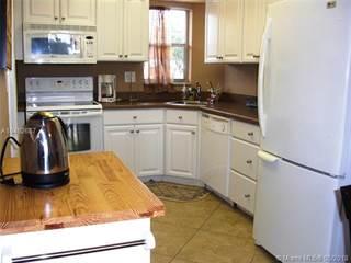 Condo for sale in 8900 Washington Blvd 214, Pembroke Pines, FL, 33025