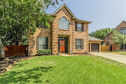 Residential for sale in 2100 Mikasa Drive, Arlington, TX, 76001