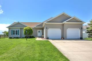 Residential for sale in 2000 Applewood Drive, Monticello, IL, 61856