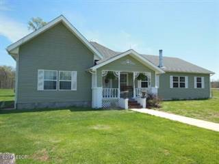 Single Family for sale in 8078 King Road, Kinmundy, IL, 62854