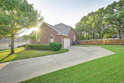 Residential Property for sale in 3002 Oaklawn Court, Arlington, TX, 76001