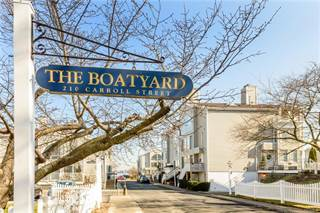 Townhouse for sale in 4 Windward Lane 5, Bronx, NY, 10464