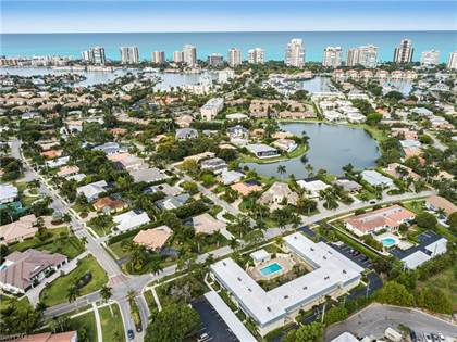 Residential Property for sale in 4100 Belair LN 111, Naples, FL, 34103