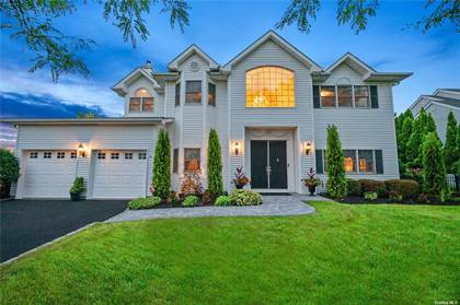 Residential Property for sale in 149 Pace Drive South Drive, West Islip, NY, 11795