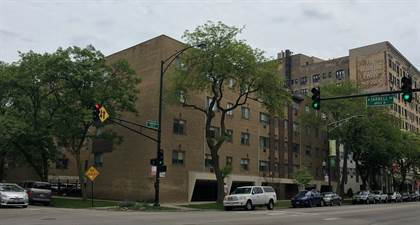 Apartment for rent in 6825 N Sheridan Rd, Chicago, IL, 60626
