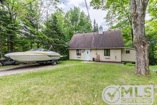 Residential Property for sale in 46 383e Avenue, Saint-Hippolyte, Quebec