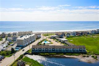 Townhomes for Sale in Hampton Beach - 6 Townhouses in Hampton Beach