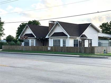 Commercial for rent in 502 S 3rd Street, Mabank, TX, 75147