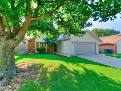 Residential for sale in 8908 N McMillan Avenue, Oklahoma City, OK, 73132