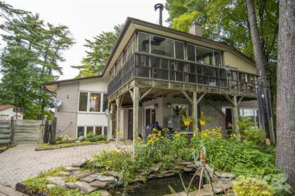 Residential Property for sale in 17 Harris Crescent, Whitewater Region, Ontario