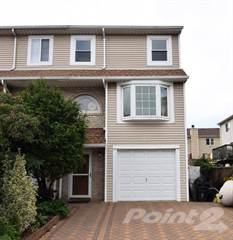 Townhouse for sale in 19 Doreen Drive, Staten Island, NY, 10303