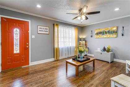 Residential for sale in 921 E Fuller Avenue, Fort Worth, TX, 76115