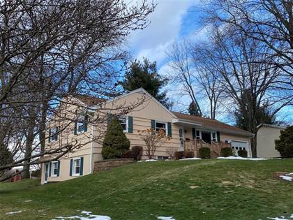 Residential Property for sale in 909 Imperial Woods Drive, Greater Endwell, NY, 13850