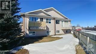 Multi-family Home for rent in 203 St James Boulevard N, Lethbridge, Alberta