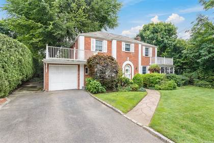 Residential Property for sale in 114 Country Club Drive, Manhasset, NY, 11030
