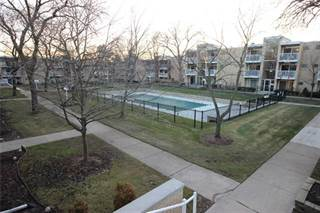 Condo for sale in 4909 CROOKS Road D, Royal Oak, MI, 48073
