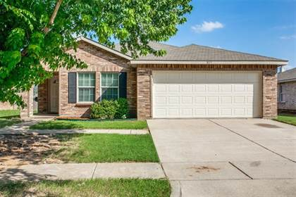 Residential for sale in 805 Lazy Bayou Drive, Arlington, TX, 76002