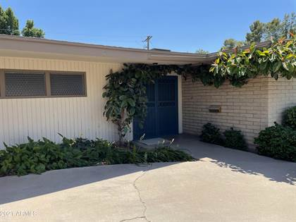 Residential Property for sale in 517 W FAIRWAY Circle, Mesa, AZ, 85201