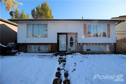 Residential for sale in 649 Pineland Road NE, Calgary, Alberta, T1Y 3L5
