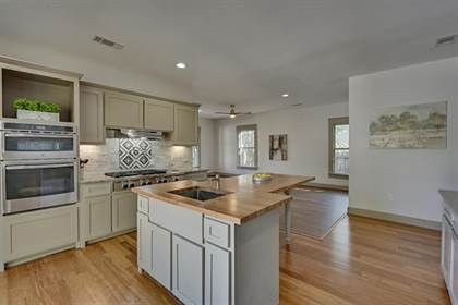 Residential Property for sale in 805 W Baltimore Avenue, Fort Worth, TX, 76110