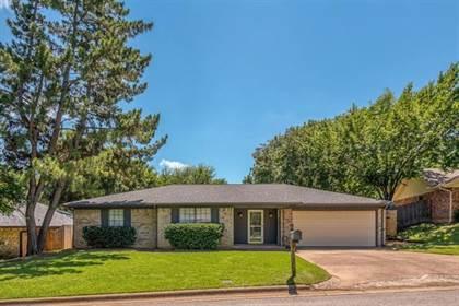 Residential Property for sale in 3808 Village Glen Trail, Arlington, TX, 76016