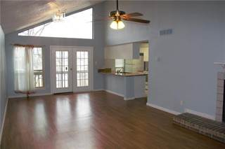Condo for sale in 7107 Holly Hill Drive 20, Dallas, TX, 75231