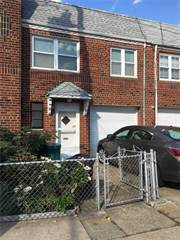 Townhouse for sale in 60-25 56th Ave, Maspeth, NY, 11378