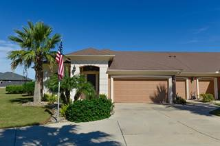 Townhouse for sale in 4 Arcos Gardens, Laguna Vista, TX, 78578